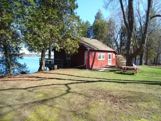 Thousand Island Waterfront Cottage Rental - Gananoque vacation rentals
