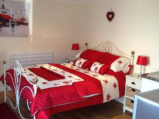 Lovely Studio with Internet Access and Television - Oulton Broad vacation rentals
