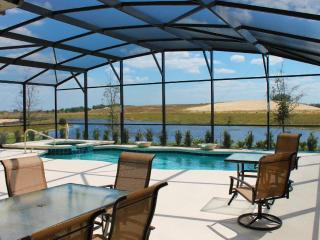 Private waterfront. 15% off in November & December - Davenport vacation rentals