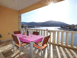 Dea Caeli: apartment  2 - Vela Luka vacation rentals