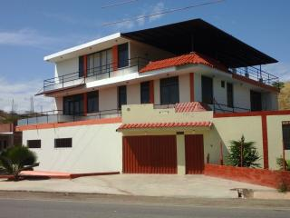 6 bedroom House with A/C in Tumbes - Tumbes vacation rentals