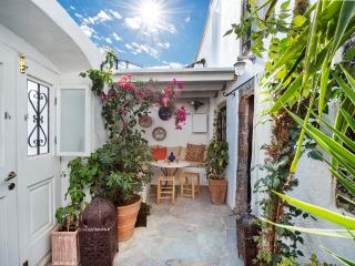 Charming House with Balcony and Patio - Fira vacation rentals