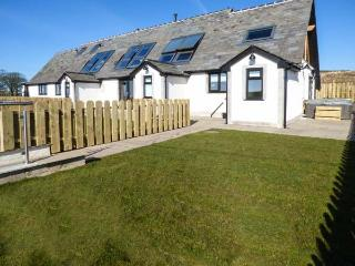 DAISY COTTAGE luxury accommodation, en-suite, underfloor heating, hot tub,WiFi in Baycliff Ref 926824 - Baycliff vacation rentals