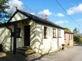 LOGANS, single-storey, detached barn conversion, woodburner, dog-friendly, in - Bideford vacation rentals