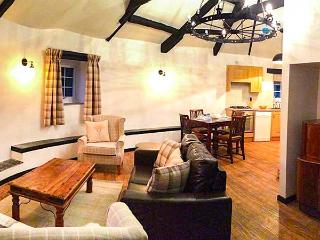 ROUND BARN, semi-detached, on working farm, shared private beach, in - Berrynarbor vacation rentals
