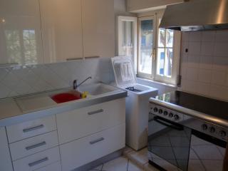 Romantic 1 bedroom Follonica Apartment with A/C - Follonica vacation rentals
