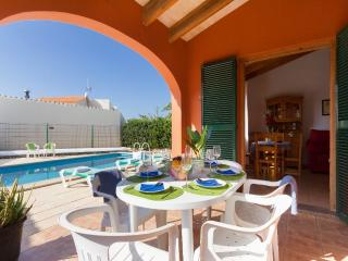 Comfortable Villa in Cala'n Bosch with Washing Machine, sleeps 6 - Cala'n Bosch vacation rentals