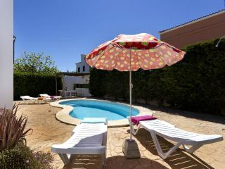 Bright 3 bedroom Villa in Cala'n Blanes with Internet Access - Cala'n Blanes vacation rentals