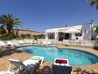 Comfortable Villa in Minorca with A/C, sleeps 8 - Minorca vacation rentals
