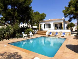 Perfect 3 bedroom Villa in Cala Blanca with Internet Access - Cala Blanca vacation rentals