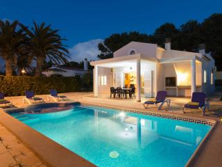 Bright 4 bedroom Villa in Cala Blanca - Cala Blanca vacation rentals