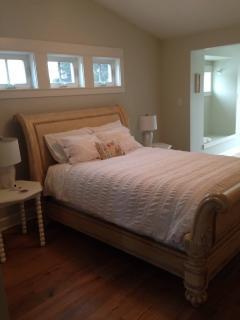 1 bedroom Bed and Breakfast with Internet Access in Kamloops - Kamloops vacation rentals