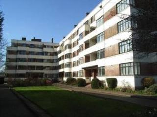 1 bedroom flat in convenient location in Surbiton - Surbiton vacation rentals