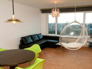 retro renovated appartment close to train station - Antwerp vacation rentals
