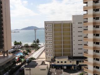 Praia da Astúrias - Apartamento espaçoso - Guaruja vacation rentals
