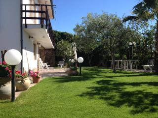 Fantastica Villa a 3 minuti a Piedi dalla Spiaggia - Marina di Arbus vacation rentals