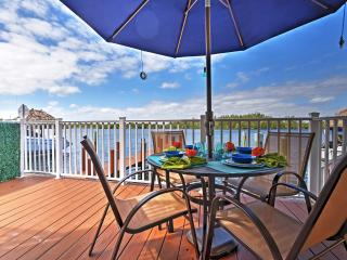 Incredible 2BR + Loft Hollywood Waterfront Townhouse w/Wifi, Bikes, Dock & Direct Ocean Access! Just 20 Minutes to Miami & 300 Steps to the Beach! Great week and month discounts! - Hollywood vacation rentals