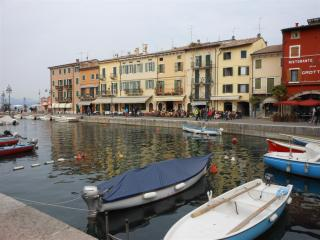 Comfortable 2 bedroom House in Lazise - Lazise vacation rentals