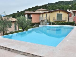 Cozy 2 bedroom Vacation Rental in Torri del Benaco - Torri del Benaco vacation rentals