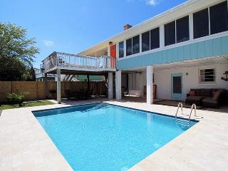 10 Center Terrace - 1 Block From The Beach - Private Swimming Pool - Tybee Island vacation rentals