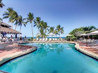 Inviting condo w/pool & beach access - restaurant on-site! - Miami Beach vacation rentals