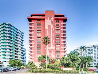 Beachfront condo with two shared swimming pools and a restaurant on-site! - Miami Beach vacation rentals