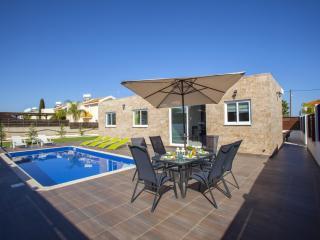 Beautiful 3 bedroom Protaras Villa with Internet Access - Protaras vacation rentals
