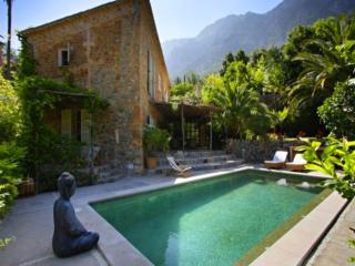 Beautiful 4 bedroom Deia Villa with Internet Access - Deia vacation rentals