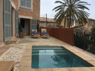 Spacious 4 bedroom Villa in Deia - Deia vacation rentals