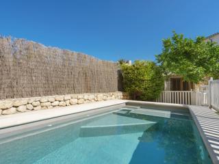 Nice 4 bedroom Pollenca Villa with Internet Access - Pollenca vacation rentals