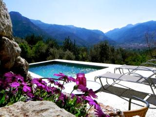 2 bedroom Villa with Internet Access in Fornalutx - Fornalutx vacation rentals