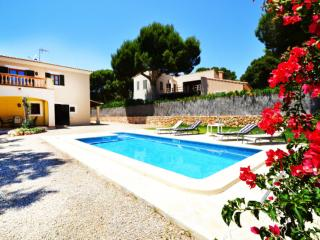 Nice Villa with Shared Outdoor Pool and Television - Calonge vacation rentals