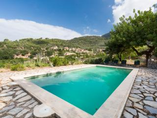 Cozy Villa with Internet Access and Television - Fornalutx vacation rentals