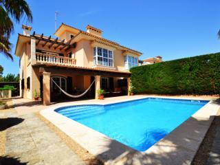Beautiful 4 bedroom Villa in Puig de Ros - Puig de Ros vacation rentals