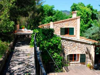 Nice 4 bedroom Villa in Puigpunyent - Puigpunyent vacation rentals