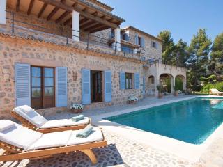 Beautiful 3 bedroom Deia Villa with Internet Access - Deia vacation rentals