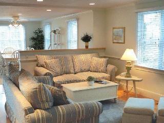 4 bedroom House with Deck in West Hyannisport - West Hyannisport vacation rentals