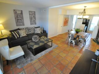 PHENOMENAL OLD TOWN TOWNHOME! - Scottsdale vacation rentals