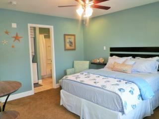 Just Beachy in Biloxi  ☼ - Biloxi vacation rentals
