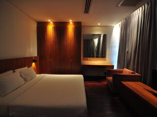 Suite 2 Bedroom @ Langsuan - Bangkok vacation rentals