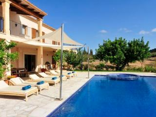 Adorable 5 bedroom House in S' Horta with Internet Access - S' Horta vacation rentals