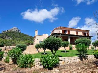 Bright 5 bedroom S' Horta House with Internet Access - S' Horta vacation rentals