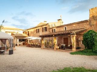5 bedroom House with Internet Access in Moscari - Moscari vacation rentals