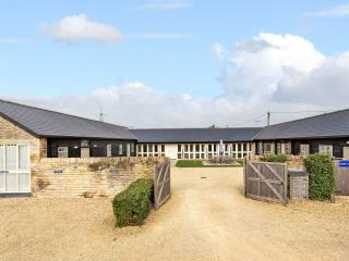 Snipe Barn, nr Burford, Oxford, the Cotswolds - Bampton vacation rentals