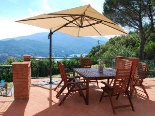 4 bedroom House with Dishwasher in Procchio - Procchio vacation rentals