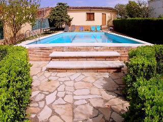 VILLA ELS ANGELS, 10 PERSONES WIFI GRATUITO!!! - Santa Oliva vacation rentals