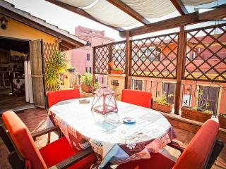Laura's Brother attico bilocale Roma - Rome vacation rentals