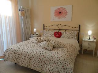 beb petali rosa: camera Gerbera - Polignano a Mare vacation rentals