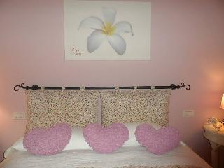 beb petali rosa: camera Gelsomino - Polignano a Mare vacation rentals