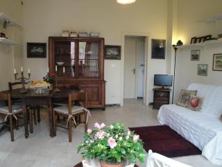 Viareggio near Sea with Private Garden for 5 sleep - Viareggio vacation rentals